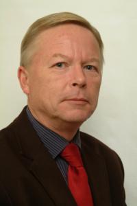Ympäristöministeriön luonnonsuojelujohtajan Ilkka Heikkisen mukaan lakimuutos keventäisi ELY-keskuksen taakkaa.