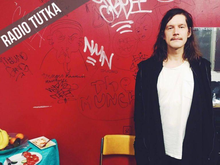 Arto Tuunela haluaa, että Pariisin Kevään biiseihin voi samaistua myös ilman omaa, vastaavaa kokemusta laulun aiheesta. Kuva: Anni Gullichsen.