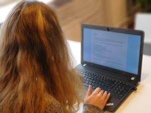 Sähköinen ylioppilaskoe suoritetaan kokelaan omaa tietokonetta käyttäen.