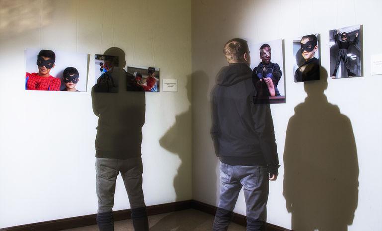 Todelliset Supersankarit -projektia varten piti hakea Helsingin kaupungilta  tutkimuslupaa. (Kuva: Dani Branthin)