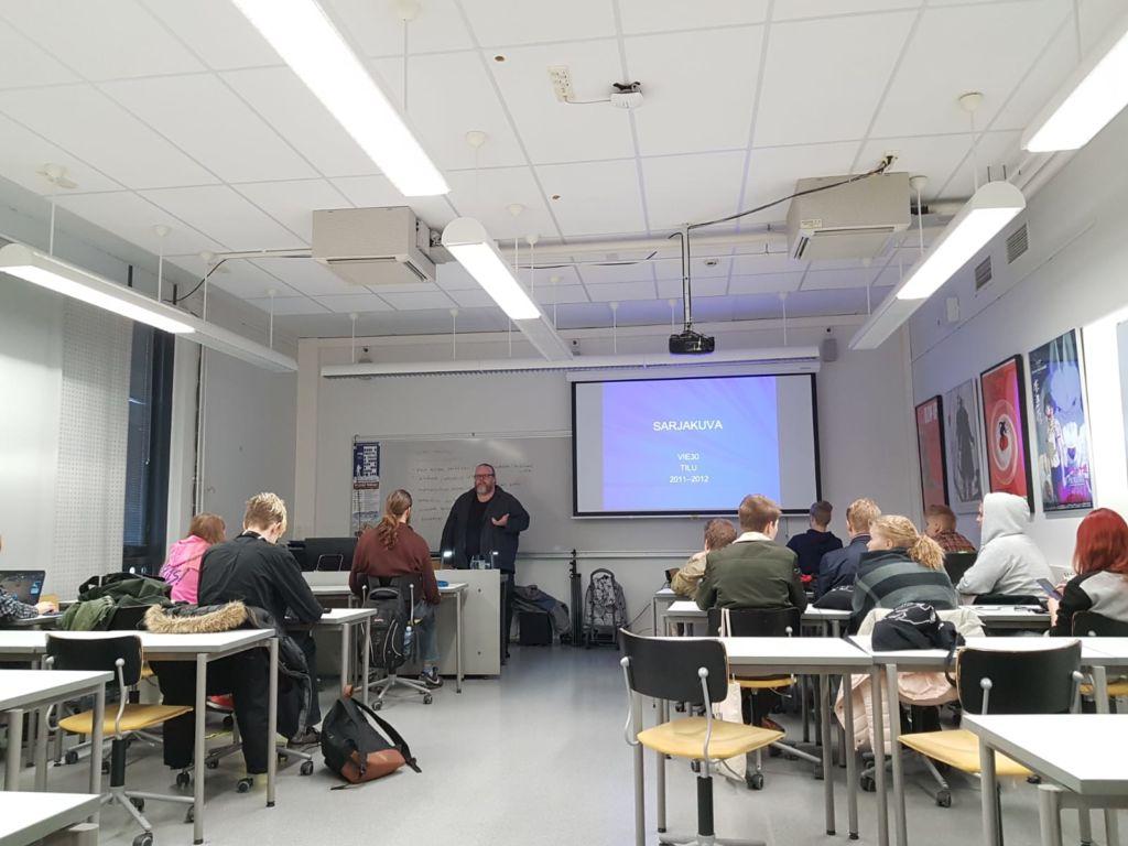 Antti Pentikäisen mukaan kursseilla käydään hyviä keskusteluita. (Kuva: Enni Ustinov)