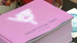 Festivaalin teokset ovat nähtävillä Turussa tämän viikon ajan. Kuva: Sofia Väänänen