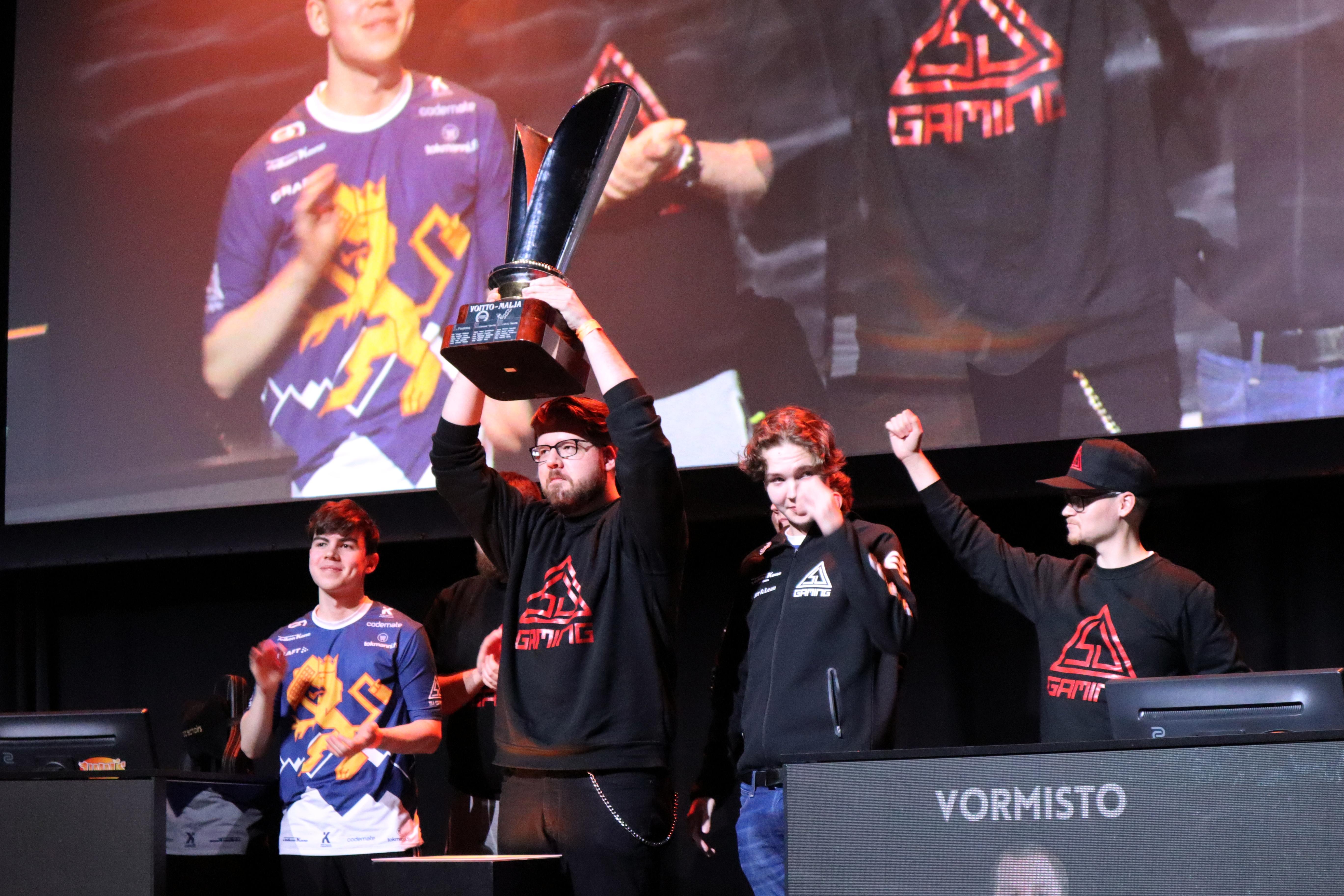 FEL:n kuudennen kauden mestari on SJ Gaming -joukkue. Kuva: Iida Virta