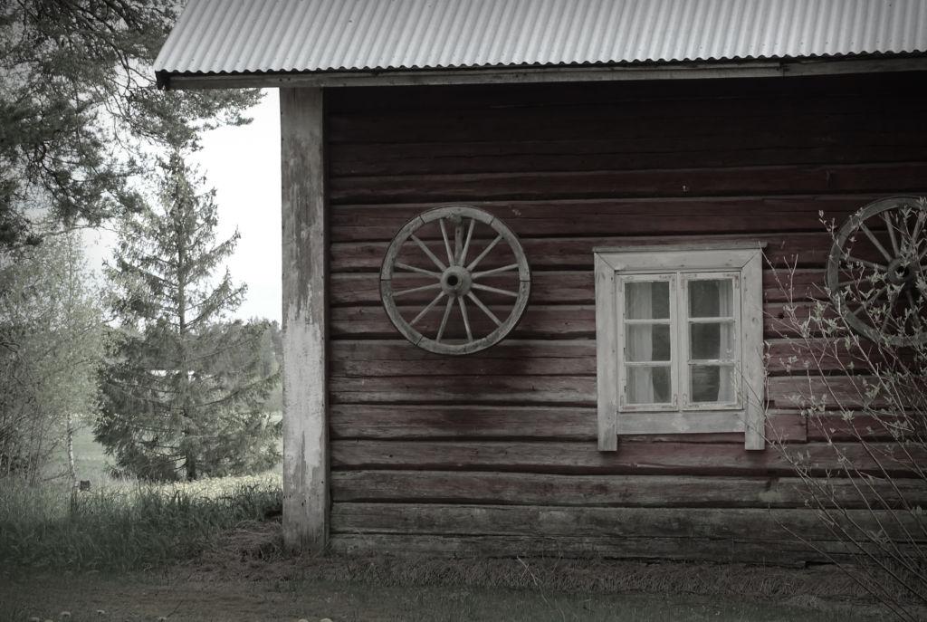 Vanha maatilan aittarakennus